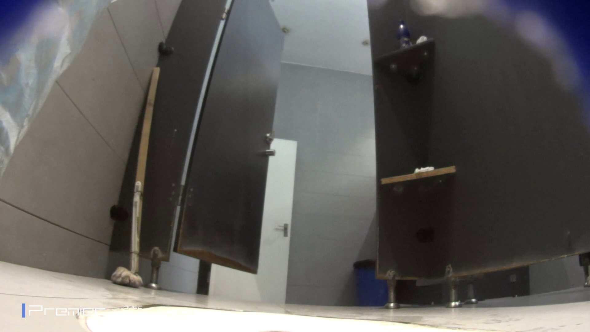 フロントから丸見え! 大学休憩時間の洗面所事情60 エッチな盗撮 女性器鑑賞 87pic 56