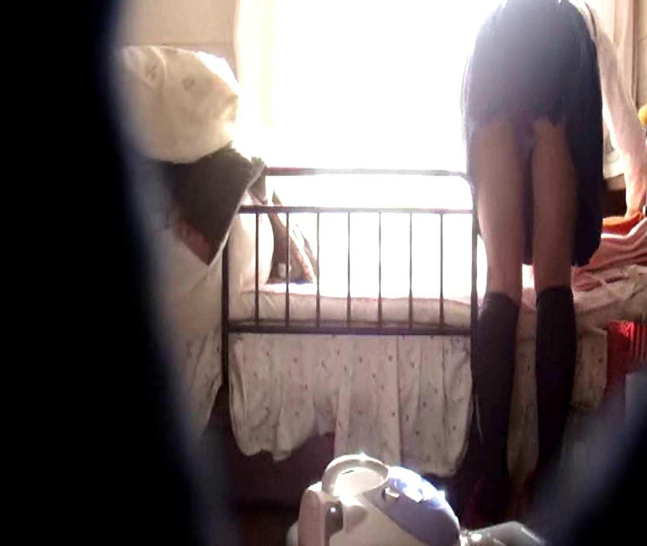 vol.3 まどかがパンツを見せながら部屋掃除、洗面所も少しどうぞ。 0 | 0  89pic 21