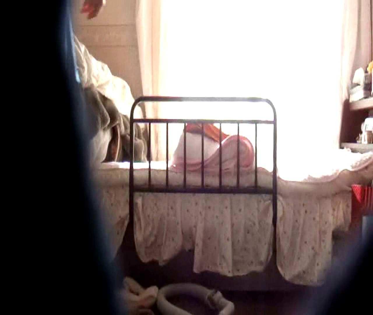 vol.3 まどかがパンツを見せながら部屋掃除、洗面所も少しどうぞ。 0  89pic 80