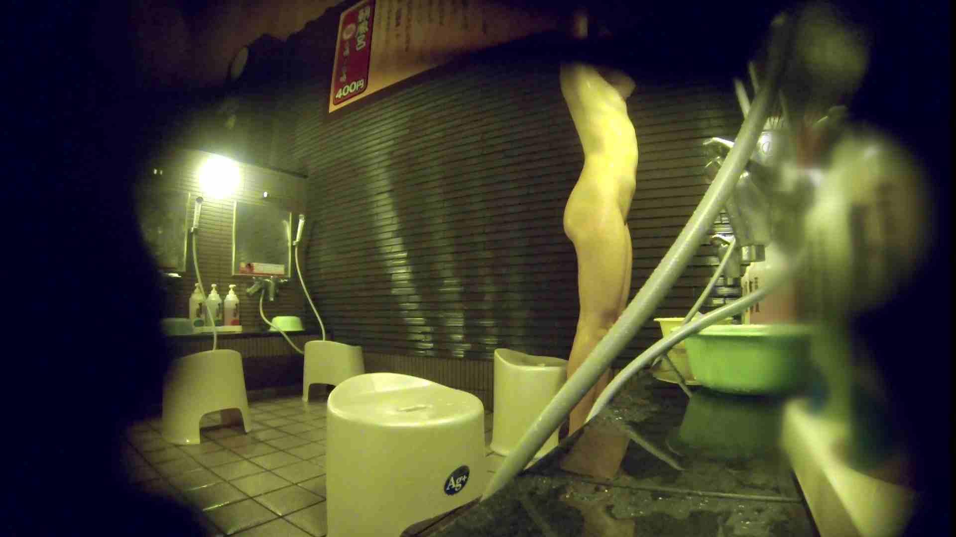 洗い場!しかし・・・綺麗な顔をしてますね。結婚したいな。 0  94pic 12