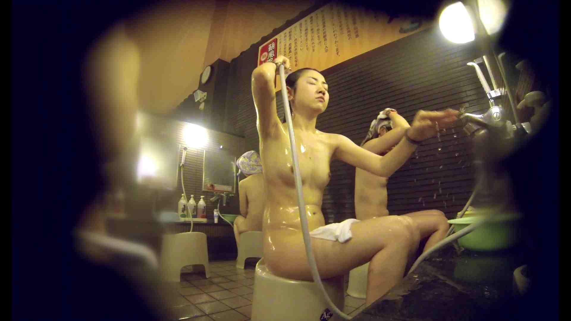 洗い場!しかし・・・綺麗な顔をしてますね。結婚したいな。 0  94pic 63
