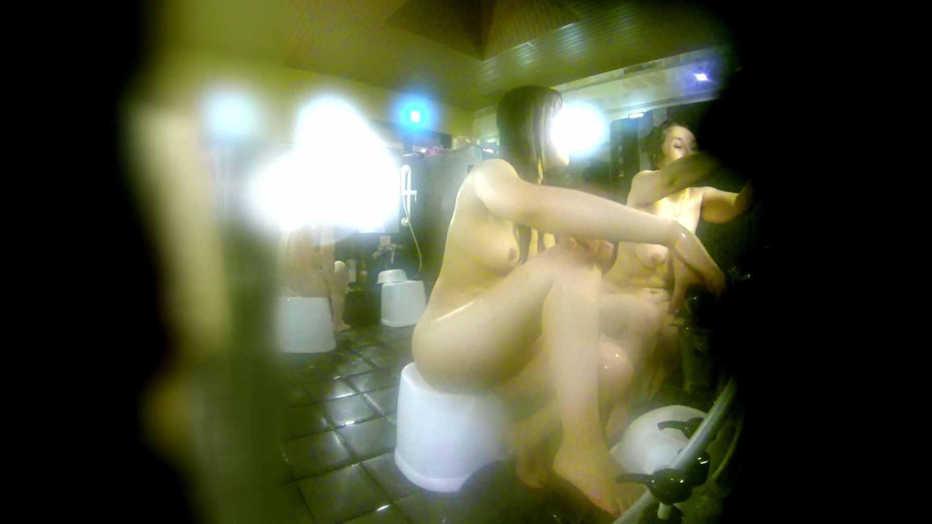 洗い場!右足の位置がいいですね。陰毛もっさり! 潜入 おまんこ動画流出 113pic 5
