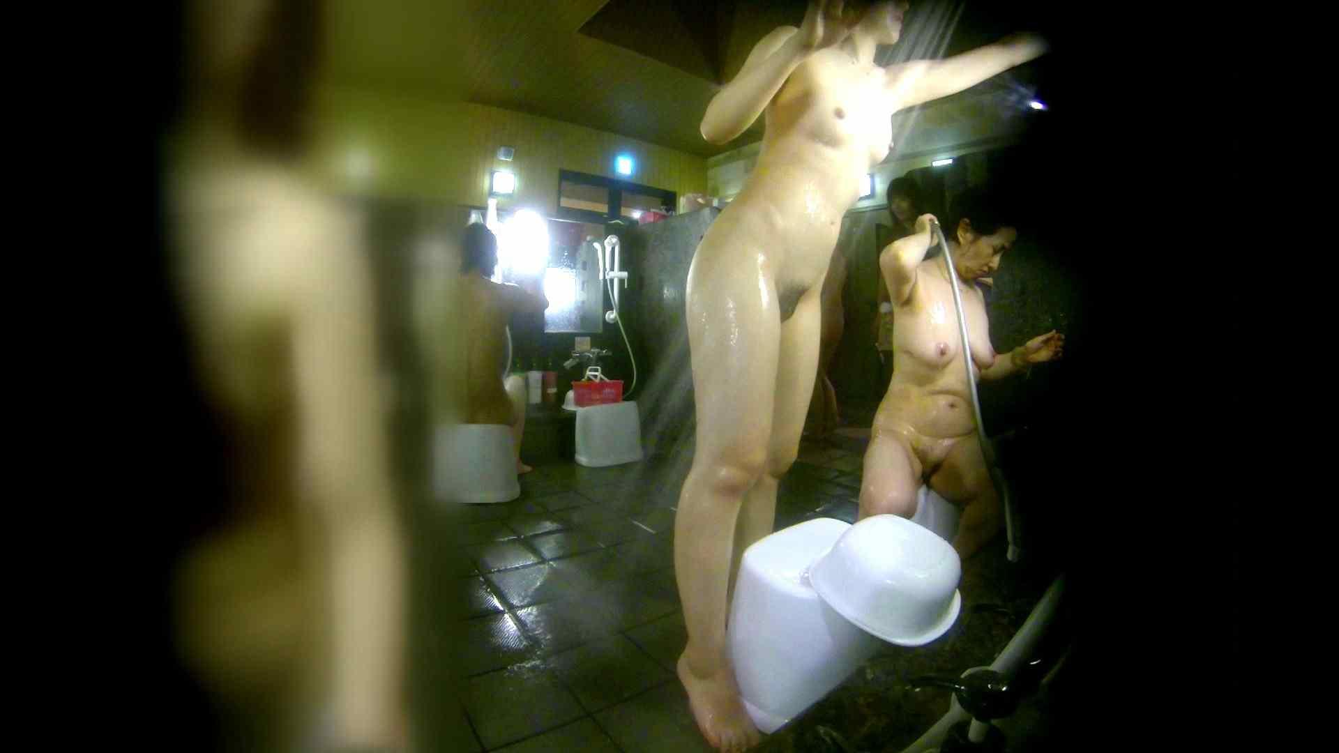 洗い場!右足の位置がいいですね。陰毛もっさり! 銭湯   0  113pic 25
