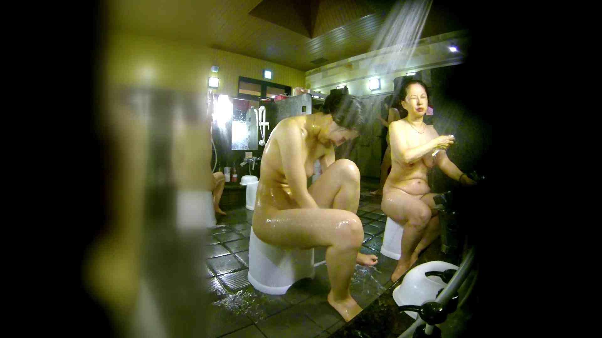 洗い場!右足の位置がいいですね。陰毛もっさり! 銭湯   0  113pic 58