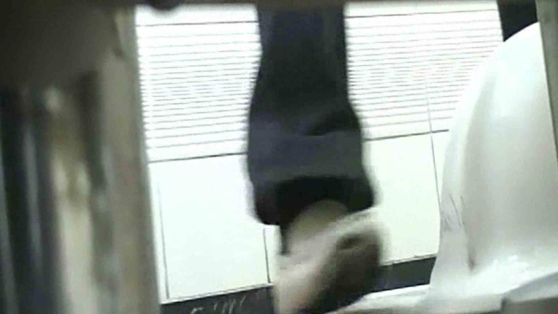 ロックハンドさんの盗撮記録File.77 禁断の黄金水 ワレメ無修正動画無料 111pic 39