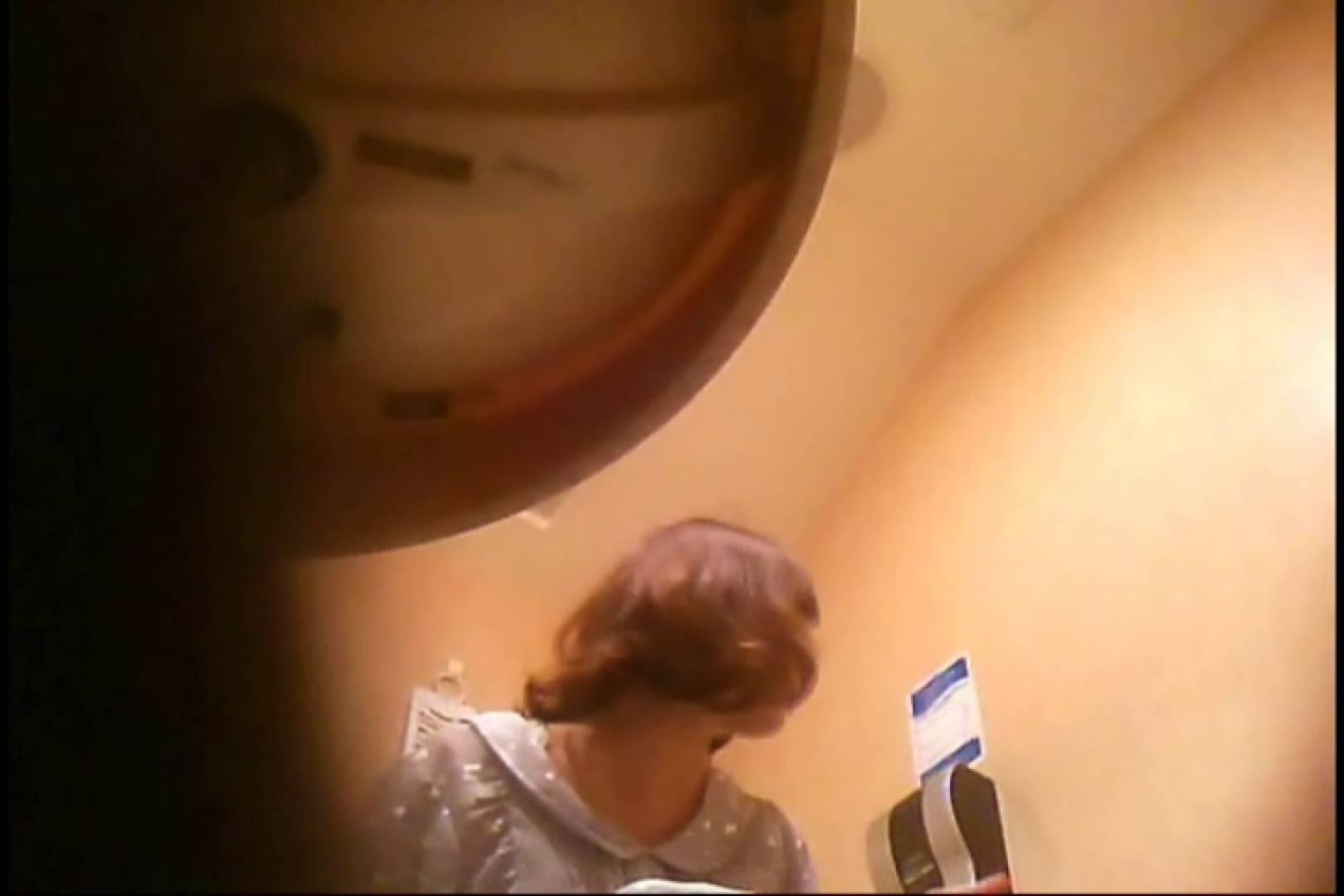 潜入!!女子化粧室盗撮~絶対見られたくない時間~vo,55 0   細身な女性  103pic 7