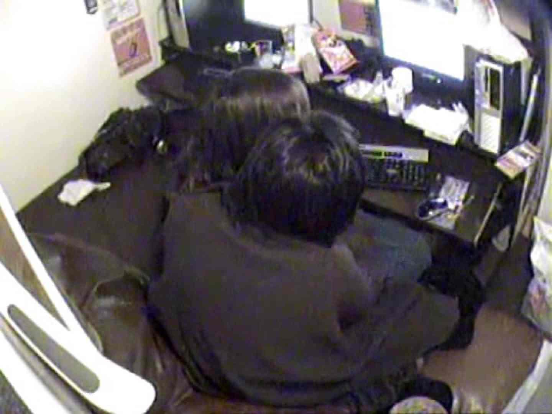 インターネットカフェの中で起こっている出来事 vol.003 カップル おめこ無修正動画無料 86pic 2