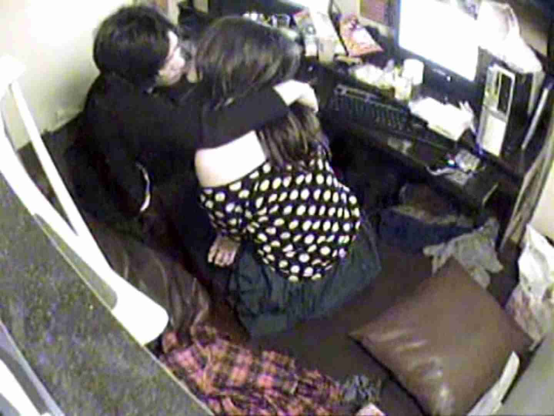 インターネットカフェの中で起こっている出来事 vol.003 カップル おめこ無修正動画無料 86pic 86